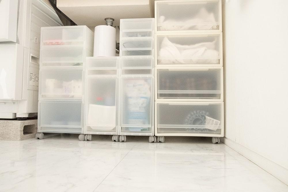 キャスター付きケースを使うことでホコリがたまりやすい奥のお掃除もラクに!
