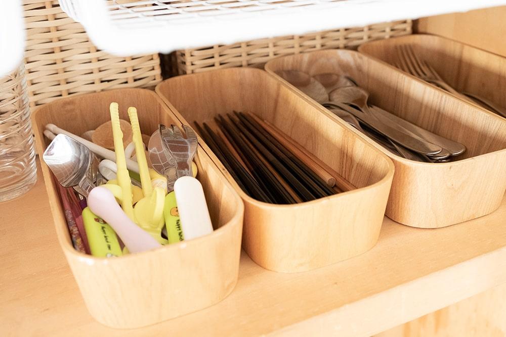 箸やスプーンも種類別にしっかり分類して収納。